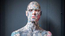 Com corpo completamente tatuado, professor quebra estereótipos de aparência