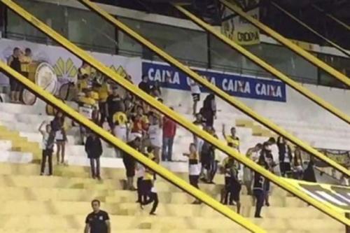 Criciúma suspende organizada após provocações à Chapecoense
