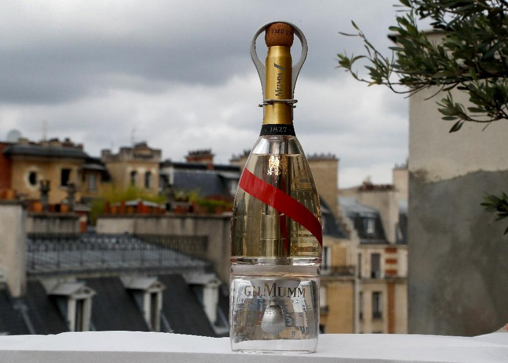 Champagne supernova: A high-tech bottle of Mumm that can be drunk in zero gravity (AFP Photo/FRANCOIS GUILLOT)
