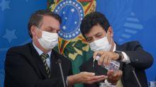 """Bolsonaro nega demissão, mas diz que falta humildade a Mandetta: """"teria que ouvir mais o presidente"""""""