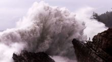 Huge storm pounding West Coast as East sees warm-up
