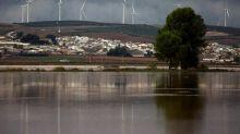 Veinte jóvenes se quedan atrapados en un tejado en Campillos (Málaga)