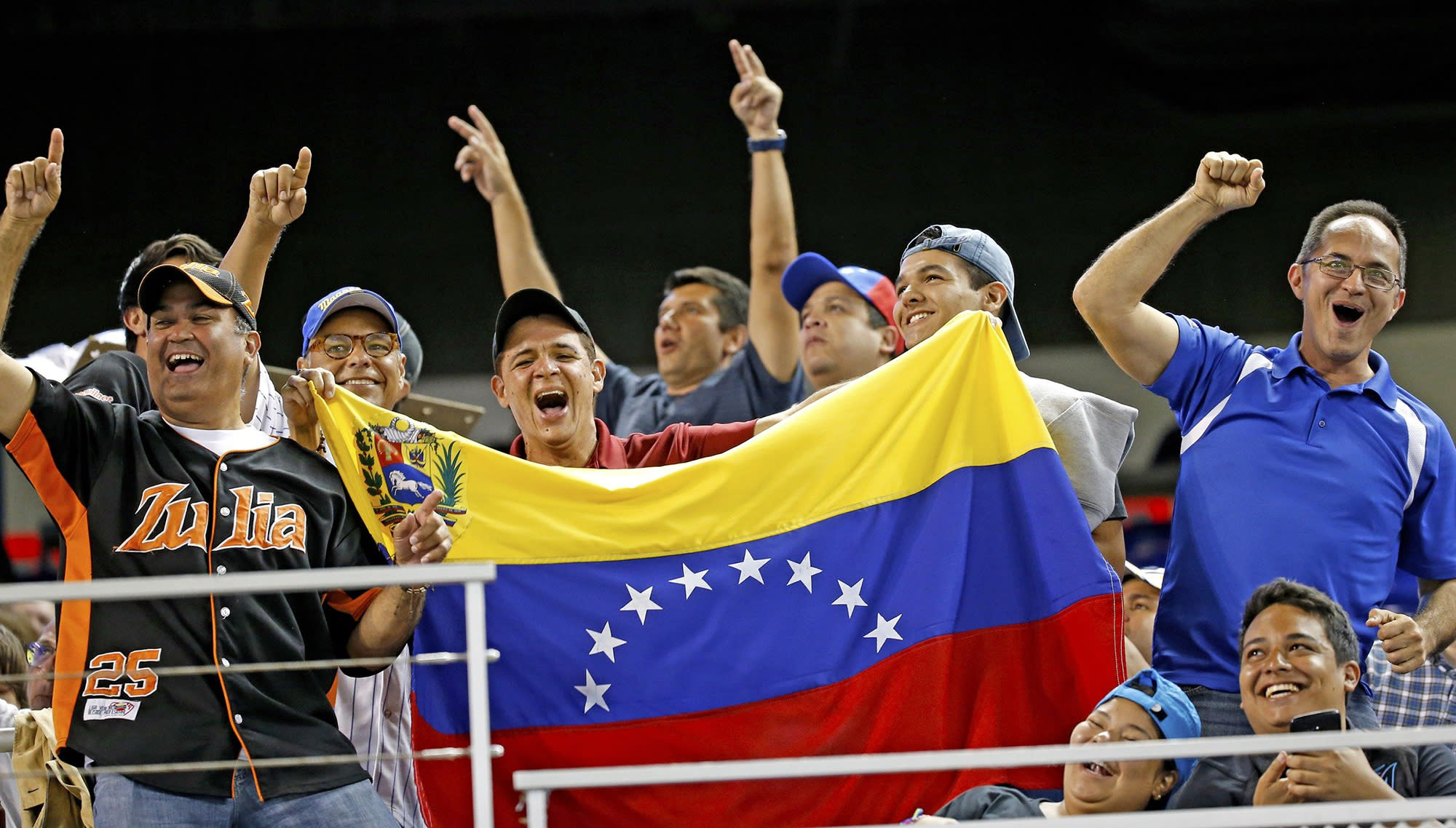 Report: MLB will ban players from Venezuelan Winter League after President Trump's embargo