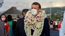 """Accusations de """"dictature"""": Macron fustige """"quelques dizaines de milliers de citoyens en perte de sens"""""""