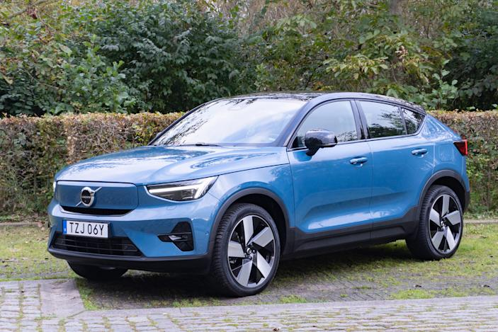Volvo's 2022 C40 Recharge adds fastback style to the XC40