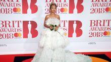 Aciertos y errores en la alfombra roja de los Brit Awards 2018