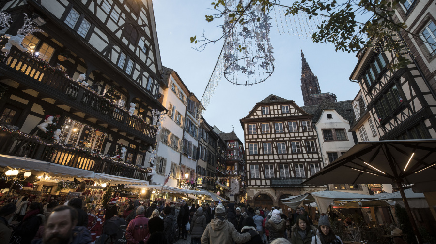 Strasbourg gathering honors victims of market attack