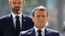 La cote de popularité de Macron dévisse (-7 points), Philippe résiste