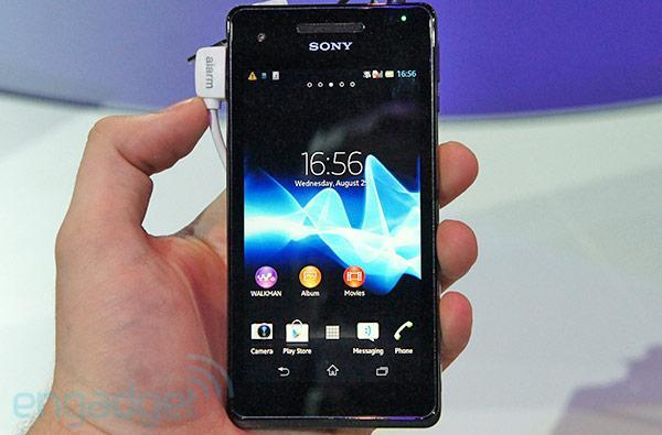 Sony Xperia V hands-on (video)