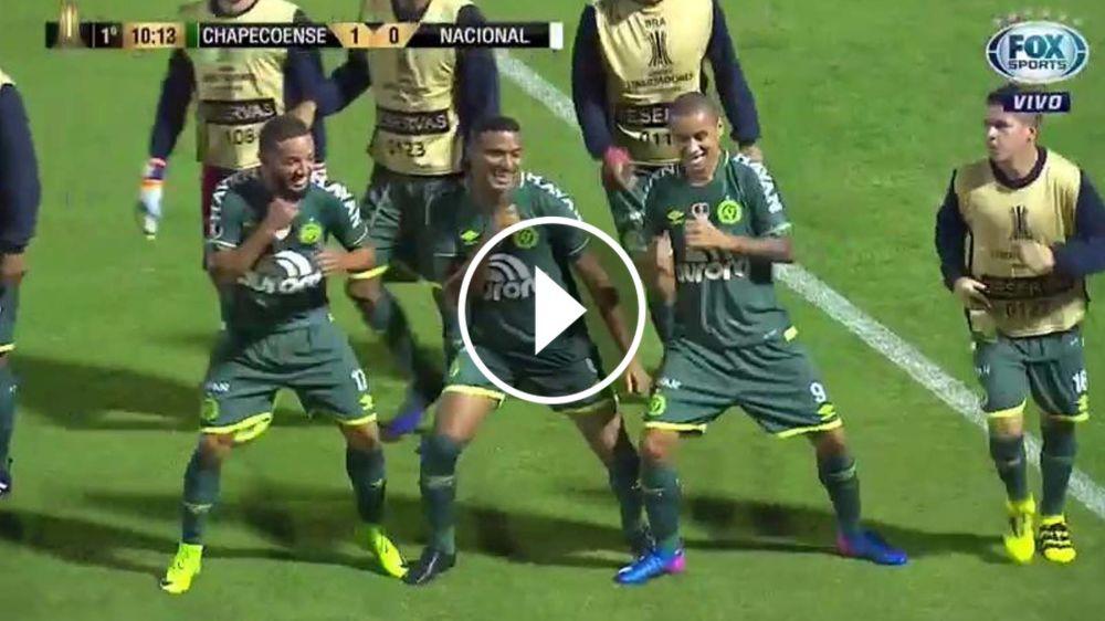 VIDEO: ¡A bailar! El Arena Condá festeja con el gol de Reinaldo a puro baile