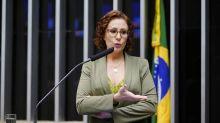 "Carla Zambelli diz que ""jamais mentiu"" após hospital negar coronavírus"