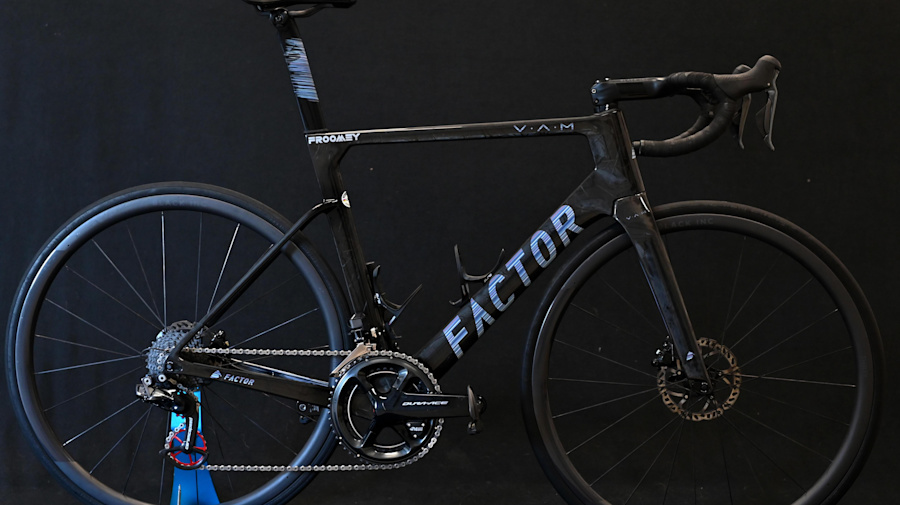 Chris Froome's Factor Ostro VAM – First look