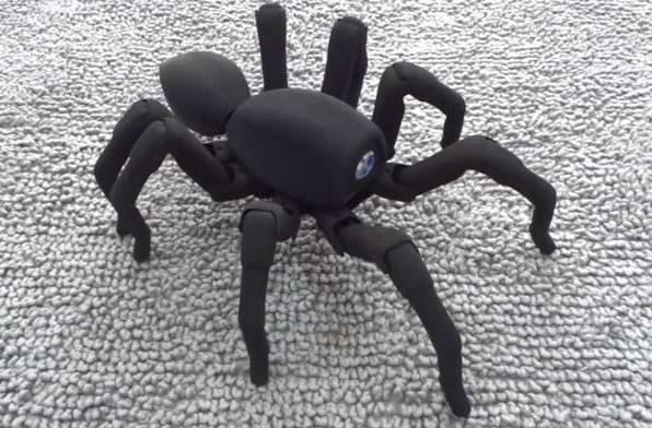Robugtix's 3D-printed T8 spiderbot will terrify your friends for $1,350 (video)