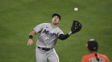 Braves bolster outfield by re-acquiring Duvall from Marlins