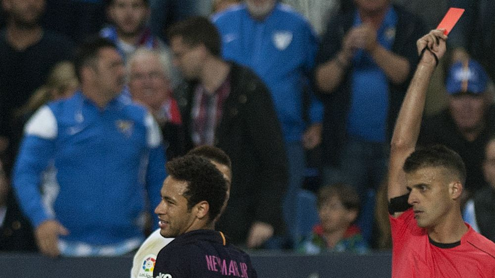 Barcelone, Neymar perd ses nerfs face à Malaga et pourrait rater le Clásico