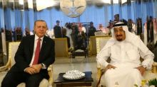 Erdogan kicks off Gulf crisis diplomacy with Saudi visit