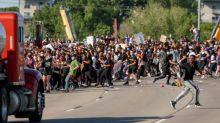 Semi-truck drives through crowd of protesters on Minneapolis bridge