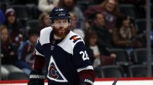 Mentors wanted: Virus limits vet-rookie time away from rink