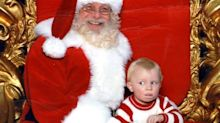 Toddler Uses ASL to Call for Help From Santa's Lap