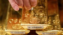 Gold Dips on Stronger Bond Yields