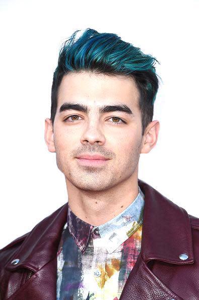 Joe Jonas Handles Breakup From Gigi Hadid With Blue Hair