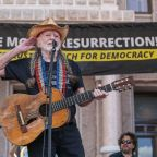 Willie Neslon helps close out march for voting rights in Texas