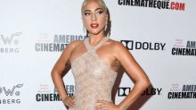 Lady Gaga en transparencias para honrar a Bradley Cooper
