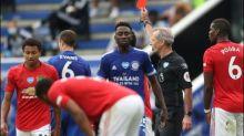Rote Karte künftig auch für absichtliches Husten beim Fußball