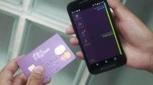 Clientes de cartão de crédito usam carteiras digitais para fugir de multa por atraso na fatura
