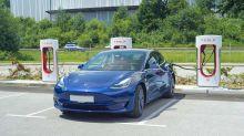S&P 500, Nasdaq Fall Despite Jobless Data; Tesla, Apple, CrowdStrike Hit Techs As Market Rally Flashes Warnings