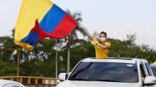 El uribismo sale en caravanas a las calles de Colombia en apoyo a su líder