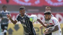 Após derrota, Jô diz que Corinthians ainda tem muito a evoluir, mas que está no caminho certo