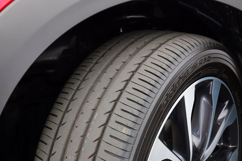 新CX-3配置專屬配胎也是這回的一大改變之一。目前是使用Toyo供應的PROXES R52。