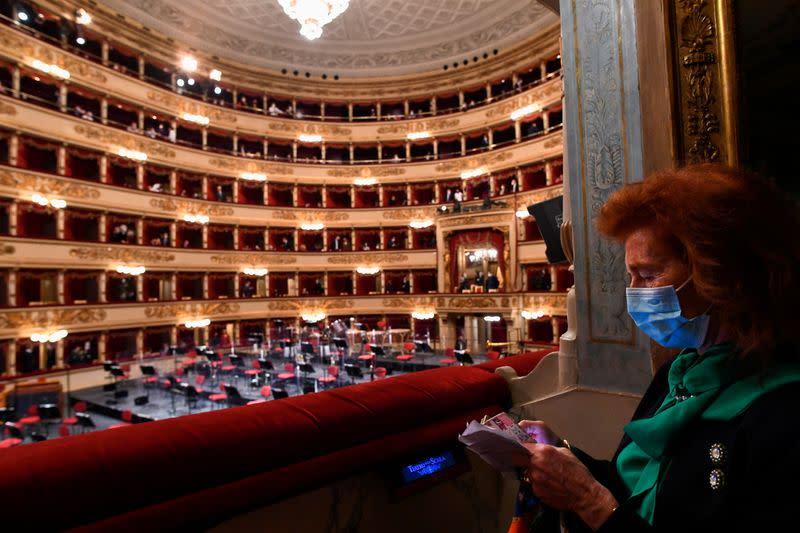 La Scala rouvre prudemment ses portes après sept mois de fermeture