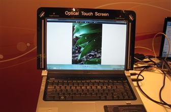 Quanta demos Optical Touch system with Windows 7