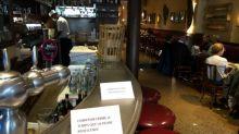 """""""C'est un ras-le-bol général"""" : l'inquiétude des restaurateurs parisiens avant le possible durcissement des mesures sanitaires"""