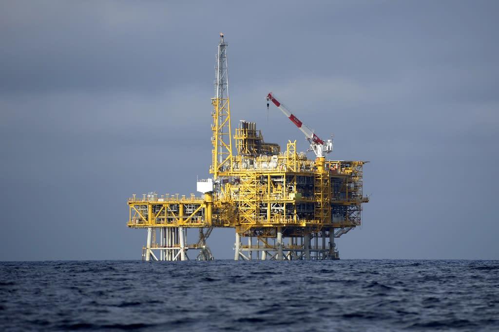 Dreams of Comoros oil boom hang on seismic survey