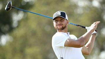 Curry agrees to sponsor college's golf program