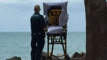 Ambulance crew takes detour so dying woman can see the ocean for last time