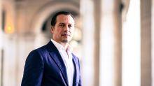 """Stefano Accorsi gira un film a Venezia, il sindaco: """"Sciacallaggio"""""""