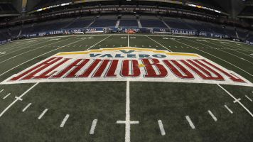 College football bowl gifts: Best and worst