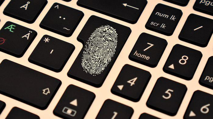 Identidades roubadas são vendidas por menos de R$ 3