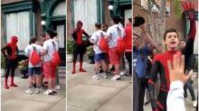 【有片】超驚喜!迪士尼蜘蛛俠揭開面罩竟然係Tom Holland