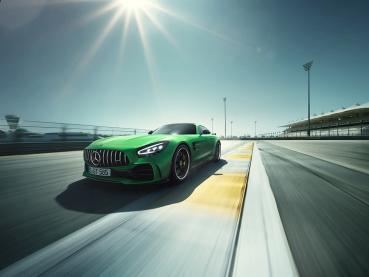 性能掛帥!全新Mercedes-AMG GT、GT R在台上市