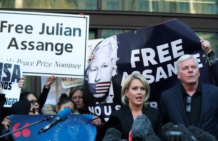 Kristinn Hrafnsson, editor in chief of Wikileaks, and barrister Jennifer Robinson talk to the media outside the Westminster Magistrates Court in London