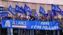 Policiais franceses sofrem com violência