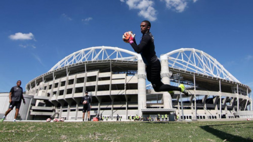 Inscrito na Copa Libertadores, goleiro Diego renova até o final de 2018
