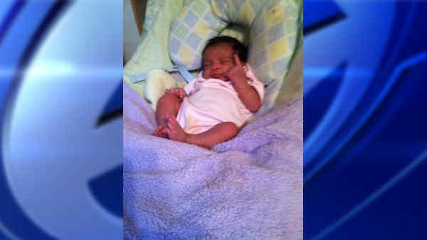Father allegedly snatches 3 week old baby in Queens