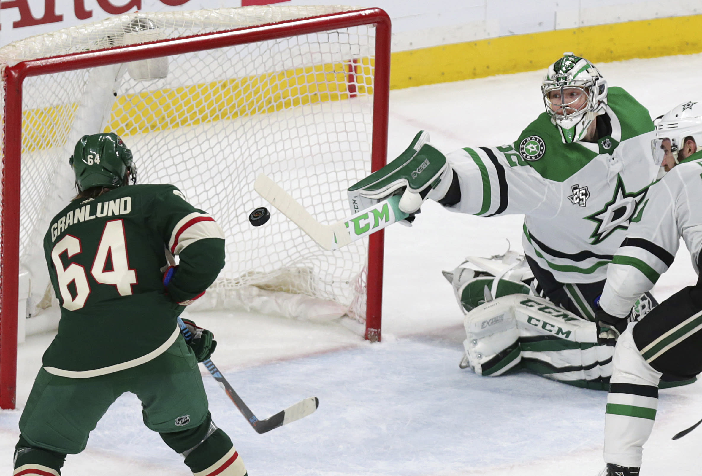 Dumba's sizzling 2nd period leads Wild past Stars 5-2