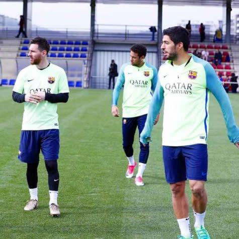 Trio MSN volta a treinar no Barça de olho no duelo contra o Granada